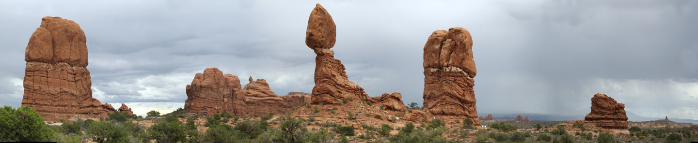 Arches National Park: Balanced Rock